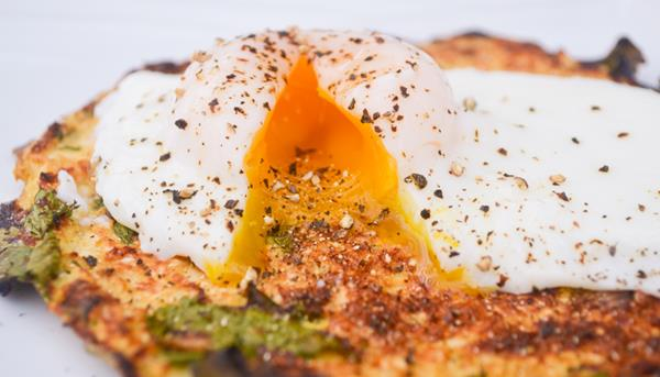 Paleo Poached Egg Pancake, Paleo Diet, Paleo Recipes, paleo pancakes recipe